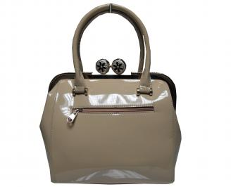 Дамска чанта еко кожа/лак бежова GSVW-21502