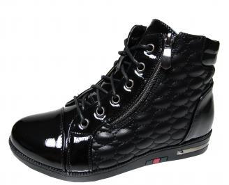 Дамски боти  черни от еко кожа и лак WNMG-22057