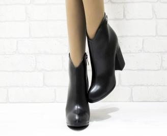 Дамски елегантни боти  черни  от еко кожа GZFU-25452