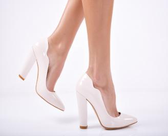 Дамски елегантни обувки еко кожа/лак  бежови BDIA-1011720