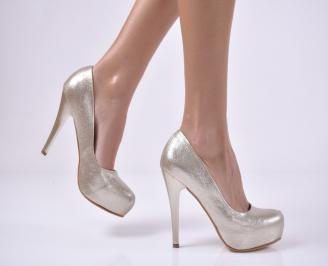 Дамски елегантни обувки еко кожа златисти. QMFO-1013823