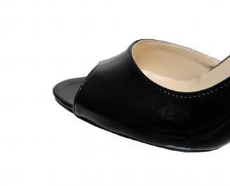 Дамски елегантни обувки еко кожа/лак черни NUAJ-21813