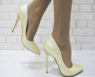 Дамски елегантни обувки на ток златисти еко кожа DWSA-23027