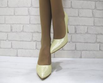 Дамски елегантни обувки на ток златисти еко кожа DLMO-23038