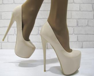 Дамски елегантни обувки  бежови еко кожа/лак PEGG-23311