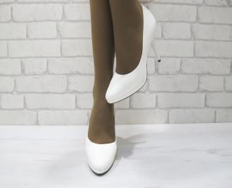 Дамски елегантни обувки  бели  еко кожа/лак KIZB-23314