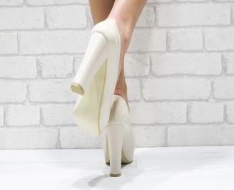 Дамски елегантни обувки  бежови  еко кожа/лак MGDO-23334