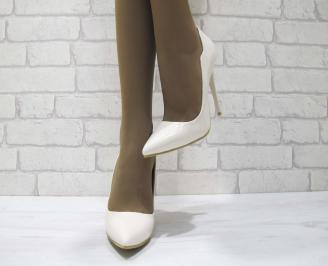 Дамски елегантни обувки еко кожа/лак бежови DAAV-23355