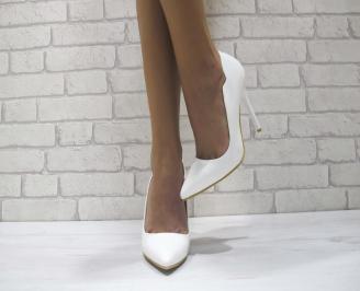 Дамски елегантни обувки еко кожа/лак бeли IHWV-24061