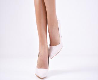Дамски елегантни обувки еко кожа/лак светло бежови 5
