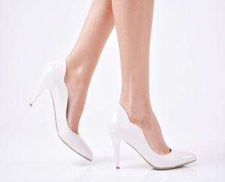 Дамски елегантни обувки еко кожа/лак светло бежови RGFQ-25870