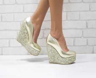 Дамски елегантни обувки на платформа  еко кожа/брокат златисти GTCC-26083