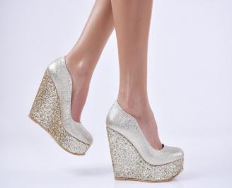 Дамски елегантни обувки на платформа  еко кожа златисти CRIK-26992