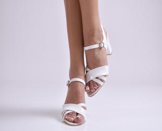 Дамски елегантни сандали еко кожа/лак бели UKNM-24385