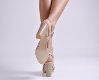 Дамски елегантни сандали еко кожа златисти VOCG-24394