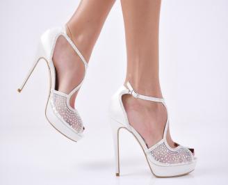 Дамски елегантни сандали  на ток бели GCJT-26564