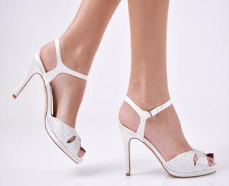 Дамски елегантни сандали  на ток бели WNPW-26569