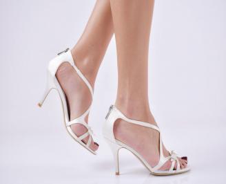 Дамски елегантни сандали  на ток бели VNFW-26587