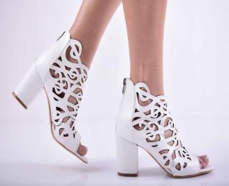 Дамски елегантни сандали еко кожа бели VAPT-27524