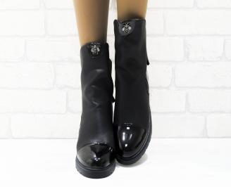 Дамски ежедневни боти  черни еко кожа/лак KQYJ-25344