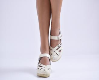 Дамски ежедневни обувки  бежови естествена кожа DDXV-23519
