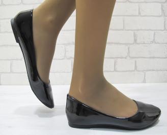 Дамски обувки еко кожа/лак черни WVIZ-23530
