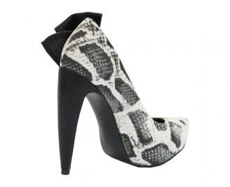 Дамски обувки еко кожа шарени NUVR-10490