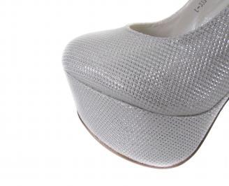 Дамски обувки еко кожа сребристо бели 4