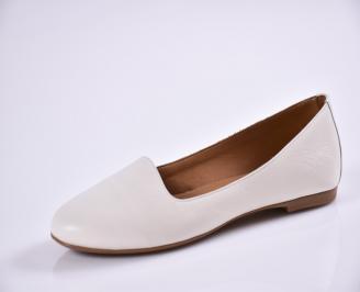 Дамски обувки Гигант равни естествена кожа бели WPZK-26956