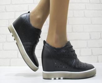 Дамски обувки на платформа еко кожа черни UNGB-23725