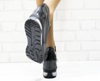 Дамски обувки  на платформа еко кожа/лак черни QUFJ-25328