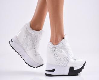 Дамски обувки на платформа еко кожа/лак бели VXAB-27825