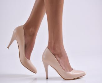 Дамски обувки на ток бежови еко кожа AVWG-18998