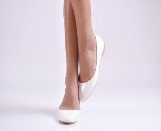 Дамски обувки равни еко лак бели HFZO-26939