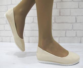 Дамски равни обувки еко кожа/лак  бежови GYKP-23055