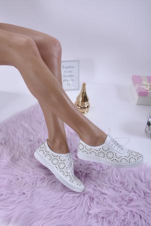 Дамски равни обувки естествена кожа бели. EUQA-1013835