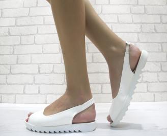 Дамски равни сандали еко кожа/лак бели QUNA-24034