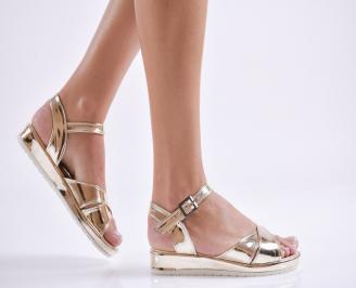 Дамски равни  сандали еко лак златисти PQMG-24180