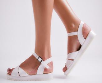 Дамски равни  сандали еко лак бели JIML-24181