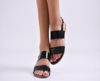 Дамски равни сандали  еко кожа/лак черни GDCK-27617