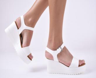 Дамски сандали на платформа бели KXFY-1013966