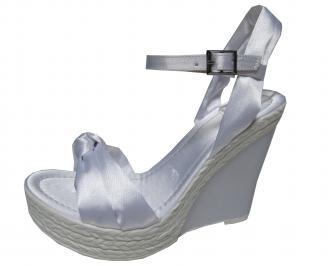 Дамски сандали на платформа бели текстил SMDK-21571