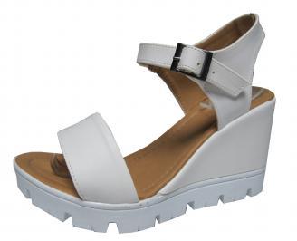 Дамски сандали на платформа еко кожа бели VGRU-21579
