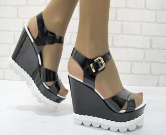Дамски сандали на платформа еко кожа/лак черни LMIA-23331
