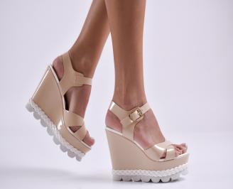 Дамски сандали на платформа еко кожа/лак бежови RCTY-23332