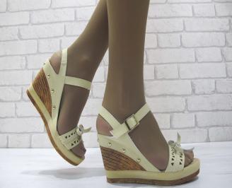 Дамски сандали на платформа еко кожа бежови QGOP-23815