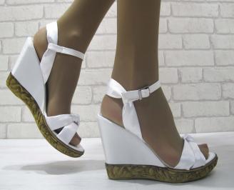 Дамски сандали на платформа бели сатен TROJ-23823