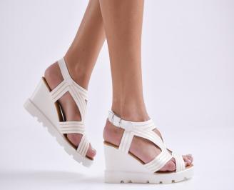 Дамски сандали на платформа еко кожа бели VHRT-23829