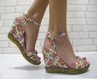 Дамски сандали на платформа текстил бели на цветя QRUT-23878