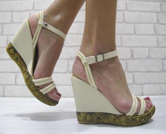 Дамски сандали на платформа бежови еко кожа OKED-23898